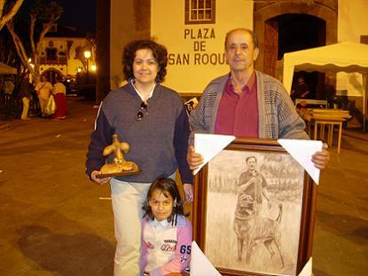 Juanito con su hija y su nieta en el homenaje de Firgas
